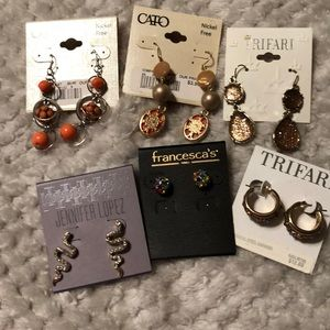 Lot of 6 Earrings brand new